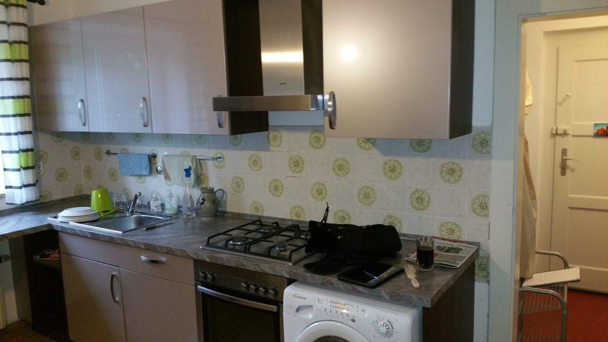 Küche alt. Renovierung, Modernisierung, Sanierung - Haus, Wohnung, Büro, Gewerbe