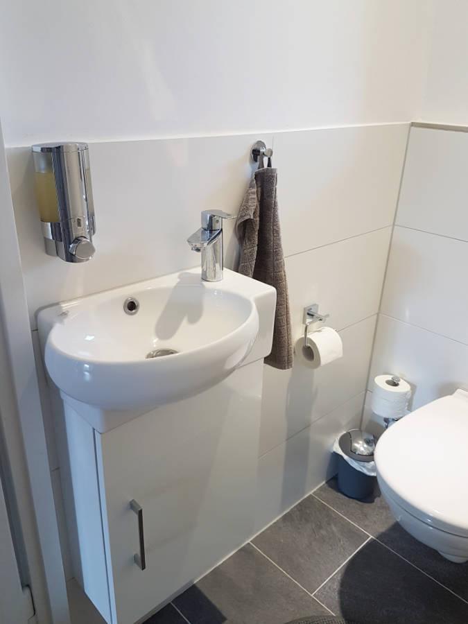 Badrenovierung, Sanitär, Waschbecken: Renovierung, Modernisierung, Sanierung München - Haus, Wohnung, Büro, Gewerbe