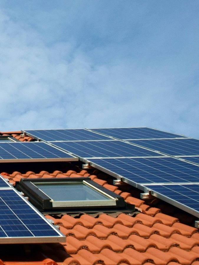 Photovoltaik Montage und Wartung: Renovierung, Modernisierung, Sanierung München - Haus, Wohnung, Büro, Gewerbe