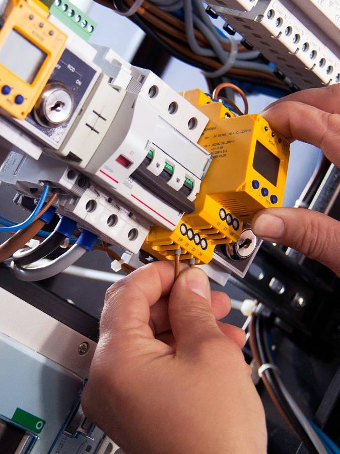 Modernisierung Ihrer Elektroinstallation: Renovierung, Modernisierung, Sanierung München - Haus, Wohnung, Büro, Gewerbe
